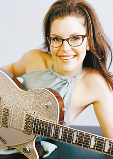 lisa-loeb-1-sized.jpg
